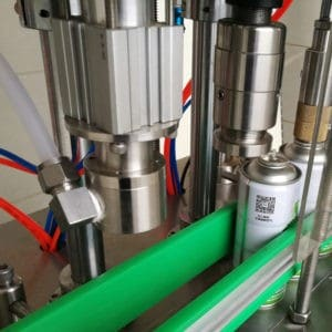 filling-the-equipment-with-freon-refrigeran